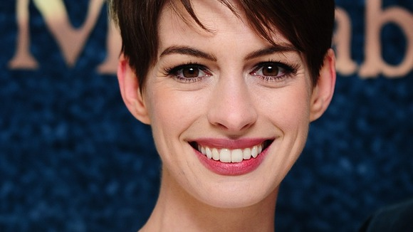 Anne Hathaway arrives at the premiere of Les Miserables in London