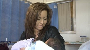 Sam Henderson gave birth to her baby at 21:33pm on 01/01/2013