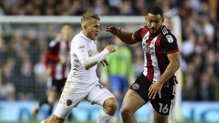 Leeds United's Samuel Saiz and Sheffield United's Cameron Carter-Vickers battle for the ball during the Sky Bet Championship match at Elland Road, Leeds.