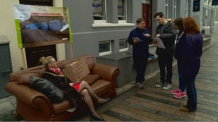 Mayor of IoM capital sofa surfs to raise awareness of homelessness