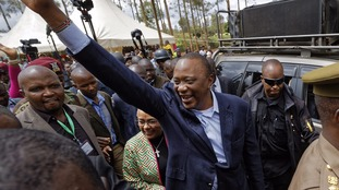 Kenya: Uhuru Kenyatta wins presidency in disputed vote