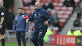 Simon Grayson sacked by Sunderland
