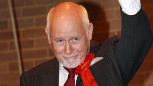 Luton MP Kelvin Hopkins suspended over sleaze allegations