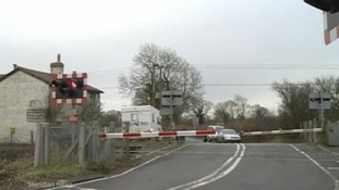 Yarnton level crossing