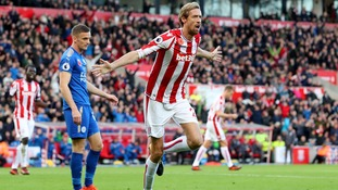 Crouch's header earns Stoke a point against Leicester