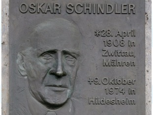 A plate on a house where Oskar Schindler lived at the Bahnhofsviertel in Frankfurt Main, Germany.