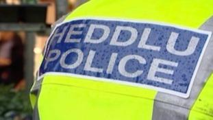 Police/Heddlu sign