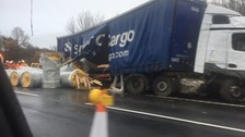 Debris strewn over M40 after lorry crash