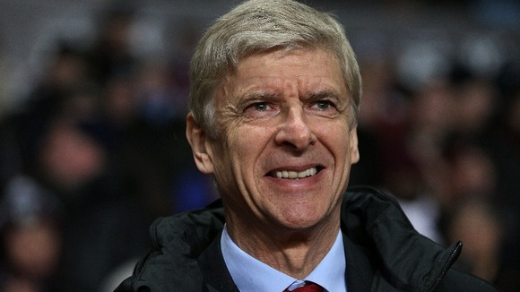Arsene Wenger wants his team to put a smile back on his face