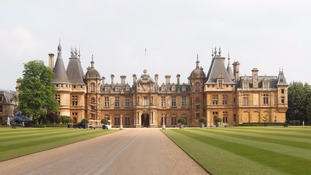 Waddesdon is home to Waddesdon Manor, which is managed by the Rothschild Foundation.
