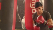 Refugee dreams of becoming boxing superstar