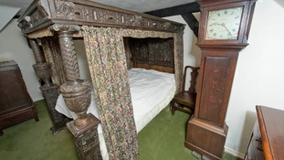 The four poster beds are expected to fetch around £1000