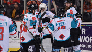 Giants top league after wins over Steelers and Storm