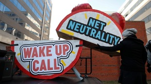 Net neutrality: Protests as US regulator ends laws