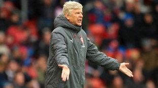 Wenger: Arsenal players suffering from hangover after Man United defeat