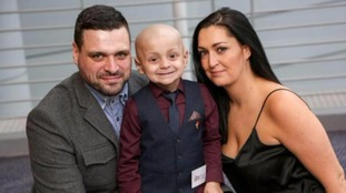 Bradley Lowery with his parent's Gemma and Carl.