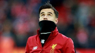 Liverpool's Oxlade-Chamberlain has leapt to the defence of Philippe Coutinho after Barcelona transfer talks resurface