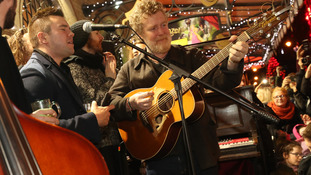 Stars keep up Dublin charity busking tradition