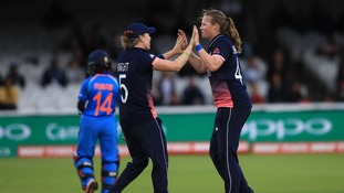 Heather Knight (L) and Anya Shrubsole (R)