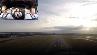 Eye in the Sky- Pilot's breathtaking view of Heathrow take off
