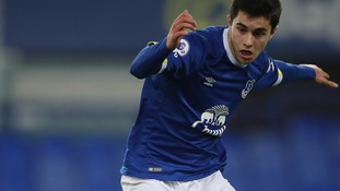 Bristol City sign Everton's Liam Walsh