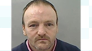 Police warn public not to approach prison absconder