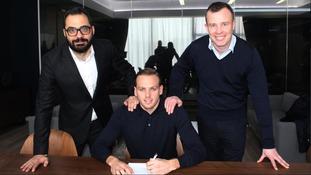 De Bock completes his move to Elland Road