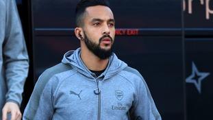 Arsenal's Walcott to undergo Everton medical as move edges closer