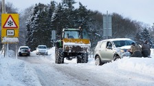 Fresh snow warning after hundreds left stranded