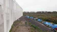 UK to pay £44.5m to boost Calais security
