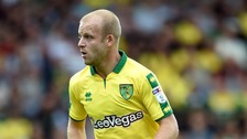 Steven Naismith has completed a loan move to Hearts.