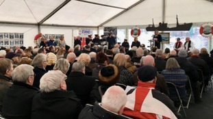 Hundreds gather for service in memory of Hull's lost trawlermen
