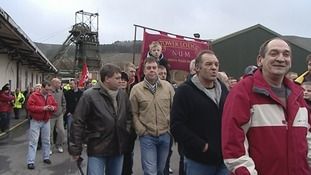 The pit closed with a celebratory march in January 2008