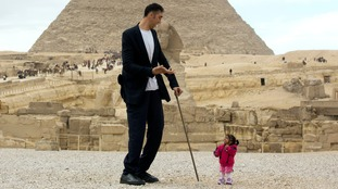 World's tallest man Sultan Kosen meets world's shortest woman Jyoti Amge in Egypt