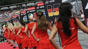 F1 'grid girls' to end as pressure mounts on boxing ring-card holders