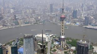 Shanghai crash: 18 injured after minivan carrying gas tanks ploughs into pedestrians