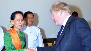 Boris Johnson urges Aung San Suu Kyi to help Myanmar's Rohingya refugees