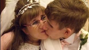 Couple who share rare ageing disorder celebrate transatlantic Valentine's Day