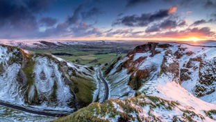 Snowy sunrise, Winnats Pass