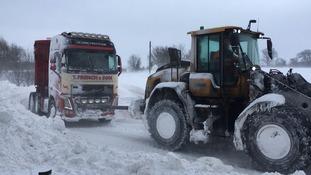 Beet lorries rescued in Cantley