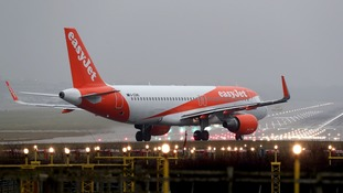 EasyJet flight from Edinburgh to Stansted struck by lightning