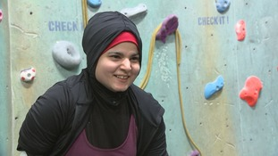 The para-climber and cancer survivor insping others with disabilities