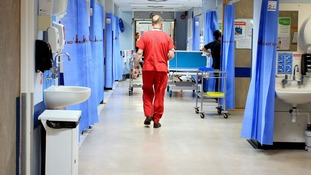 NHS staff to be offered 6.5% pay rise, leaked report shows