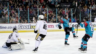 Giants beat Panthers to stay in conference race