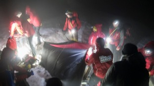 'Inexperienced youngsters' helped by mountain rescue
