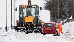 Cars got stuck in the snow in Derbyshire