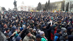 Thousands protest as Vladimir Putin blames 'criminal negligence' for Kemerovo shopping centre fire
