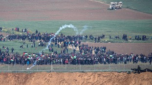 Seven dead and 550 injured in clashes on Gaza border