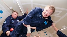 Stephen Hawking experiences weightlessness