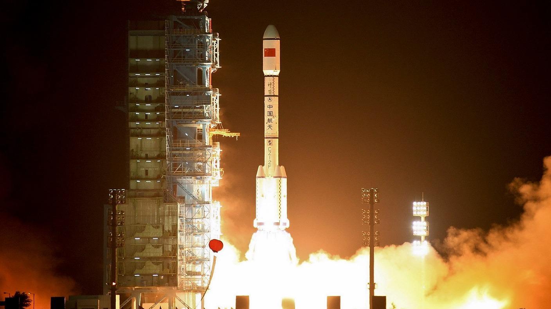China's Tiangong-1 space station crashing towards Earth ...